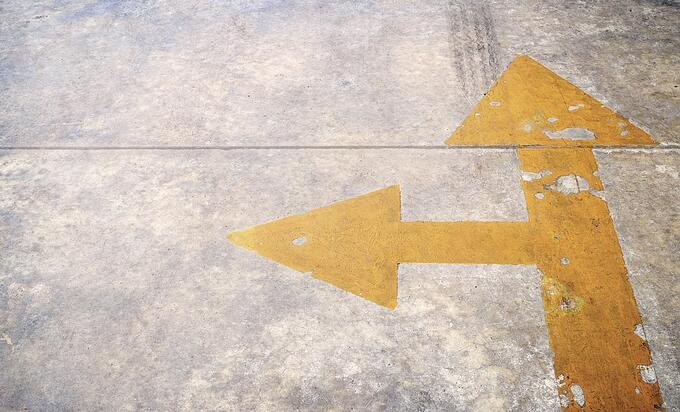 two-arrows-on-the-ground.jpg